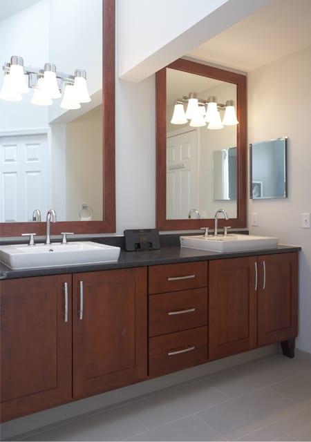 big mirrors in classic bath