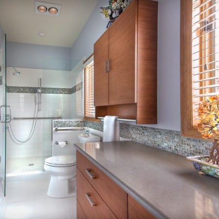 modern long bathrom
