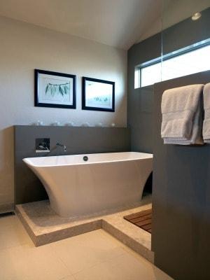 12 Ideas for a Spa-Like Bath Toolbox