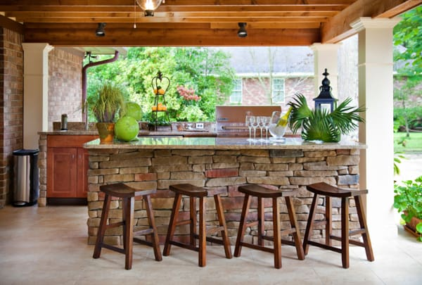 design outdoor kitchen. layout onekindesign A Home Remodel Yields Creative Spaces for Outdoor Cooking  Melton