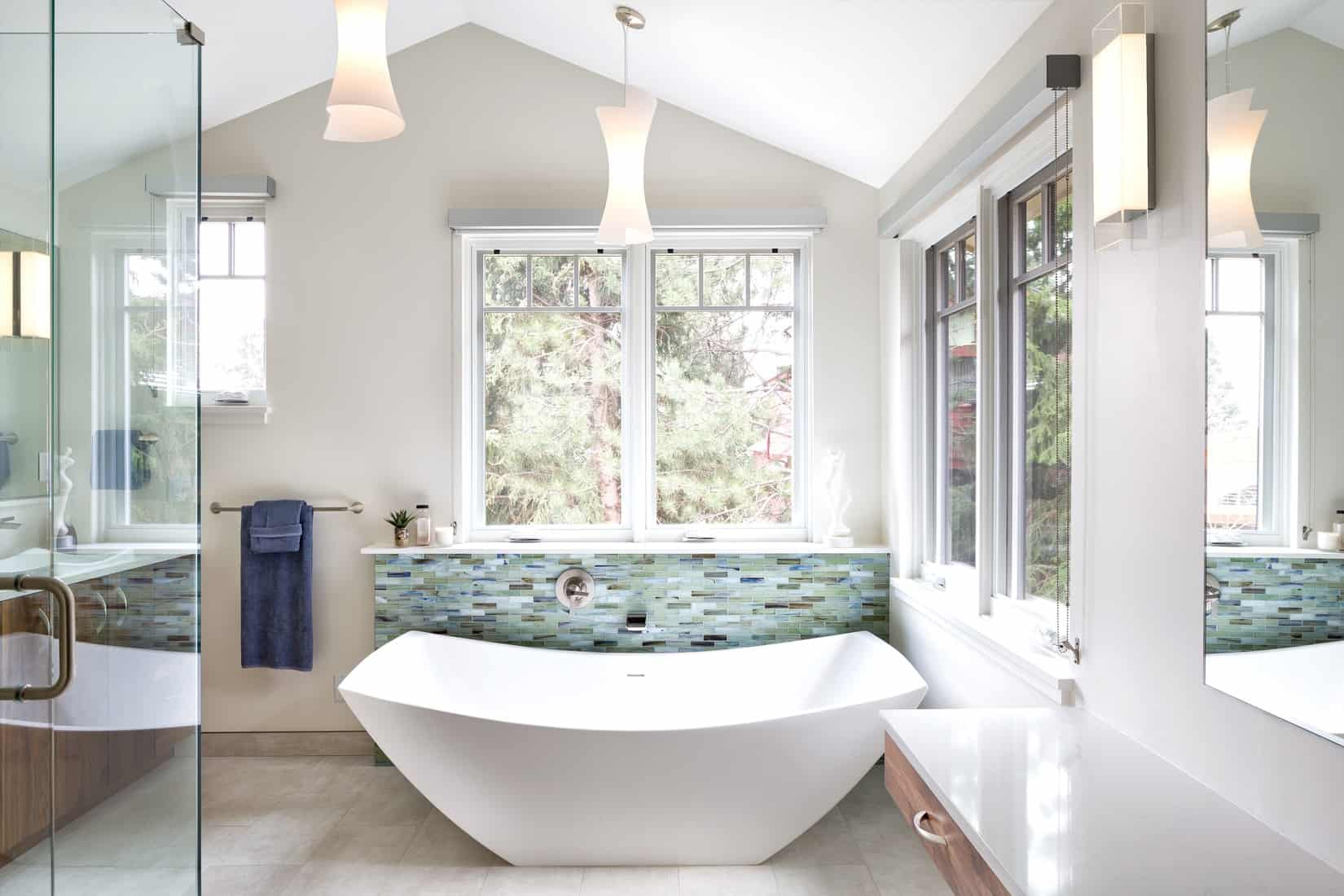 Devil's Thumb Boulder Remodel - Master Bathroom Soaking Tub